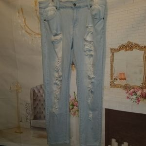 VIP DESTROYED JEANS